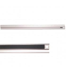 Regla con freno antideslizante y milimetrada